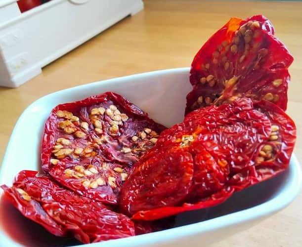 i pomodori secchi alla siciliana