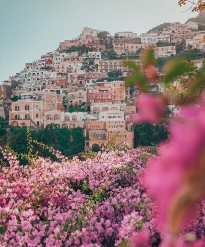Visitare la Costiera Amalfitana: Positano tra i fiori