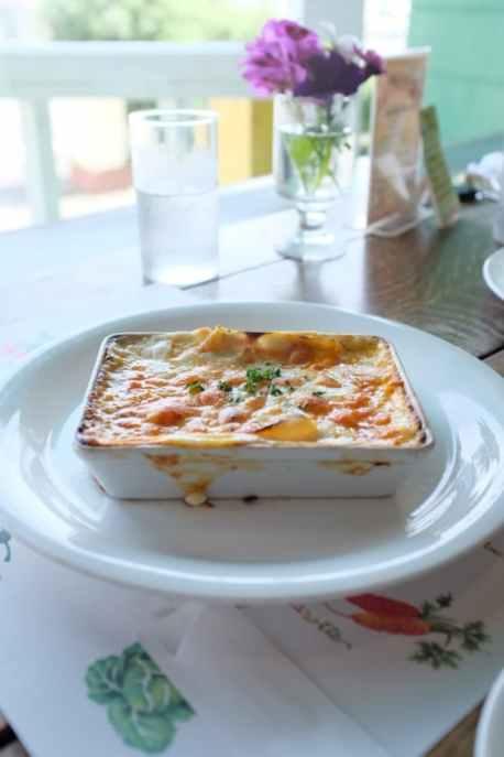 lasagne con ragu di soia pronta a tavola