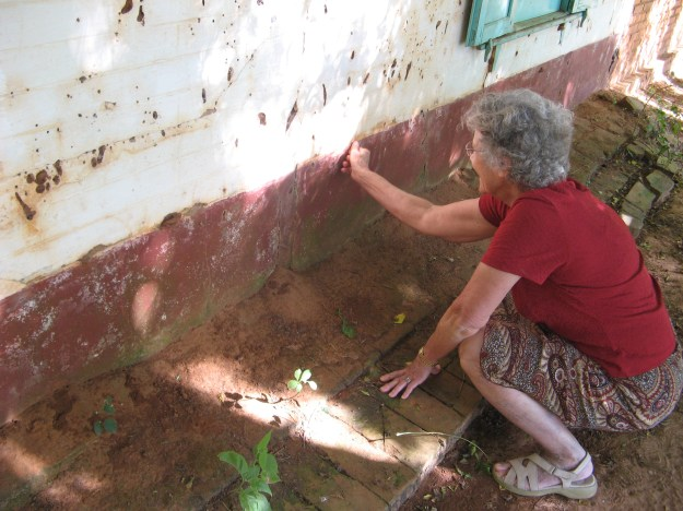 She showed me how as children, they painted the bottom of the house with mud.