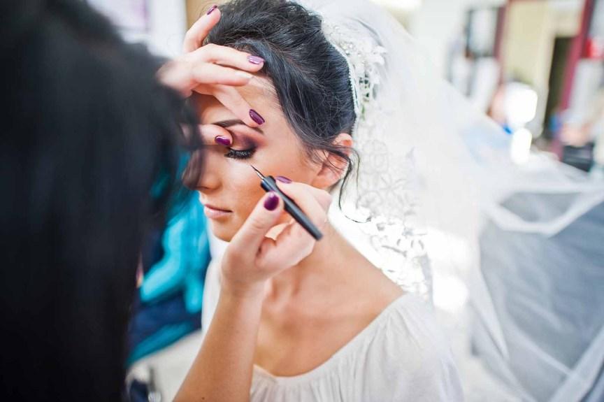 The 5 Best Bridal Makeup Courses Online   La Riviere