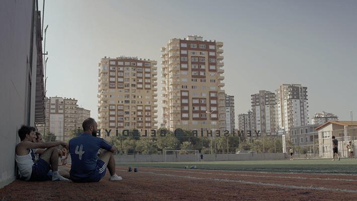 cultura antropologia storie d'altri siria calcio film cinema documentario racconto siria ifugiati migranti Siria Turchia Spagna