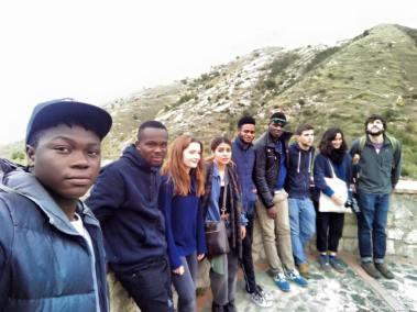 Studenti e migranti a belmonte