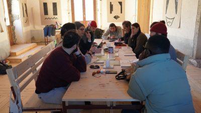 Brainstorming di gruppo a fine workshop
