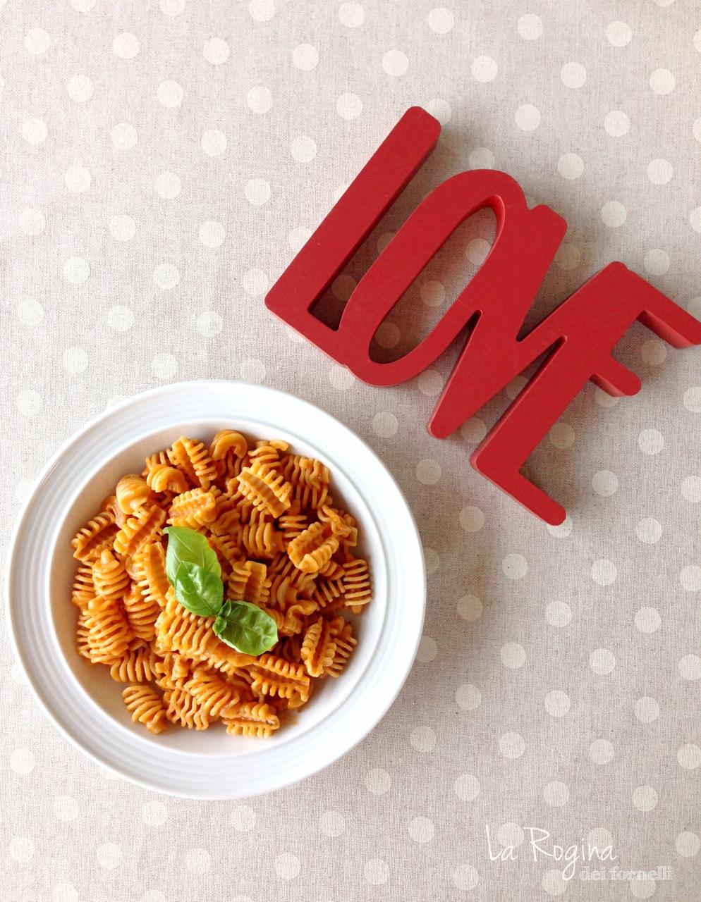 pasta-alle-3p-panna-pesto-pomodoro