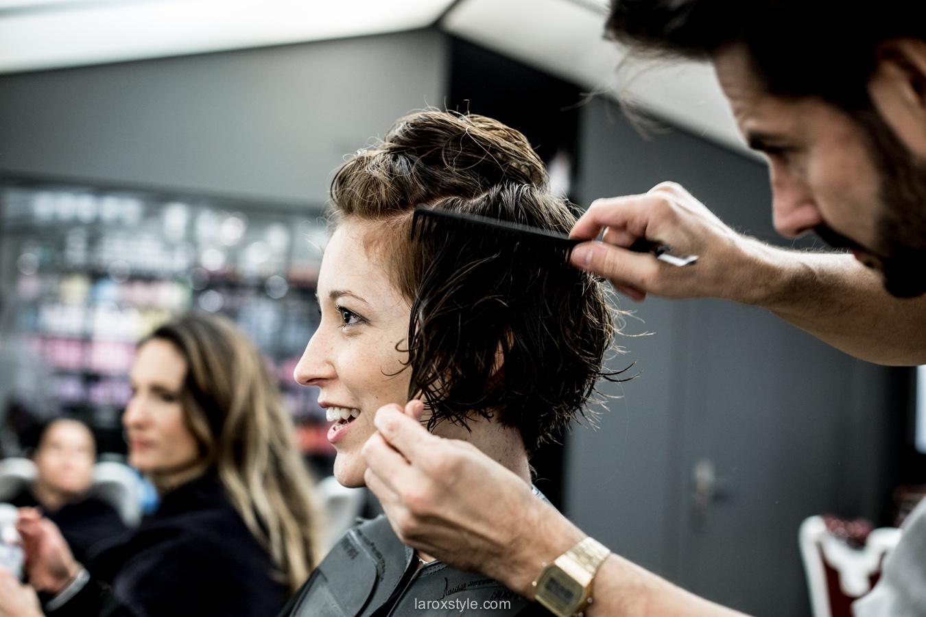 coupe courte cheveux boucles - coiffeur la loge lyon - blog laroxstyle -17 • LaRoxStyle
