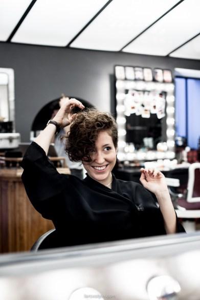 coupe courte cheveux boucles - coiffeur la loge lyon - blog laroxstyle -34