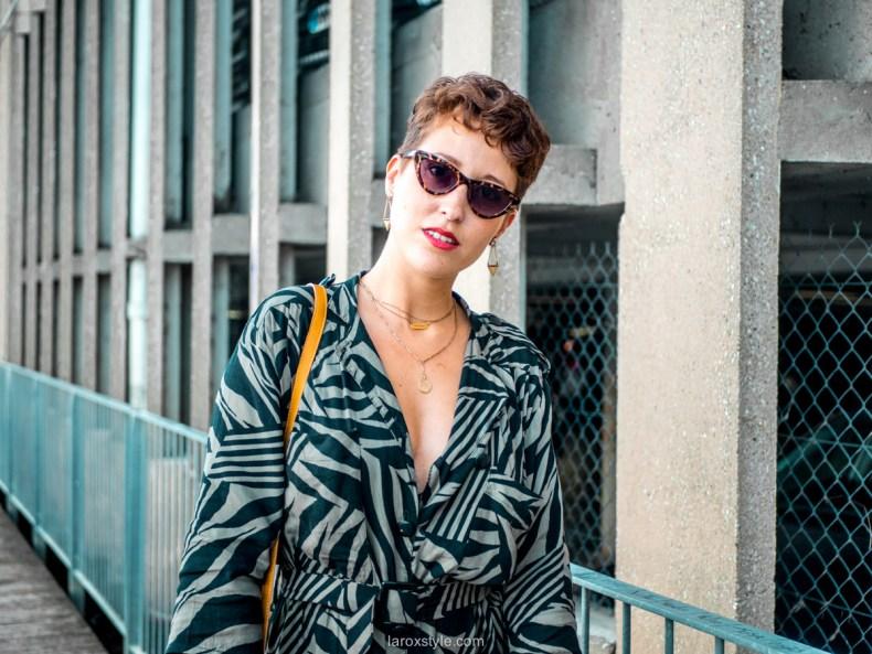 ba6cd0494fe En quoi cette Robe Vintage est-elle dans la Tendance mis à part sa coupe    Je dirai son motif qui tend vers un motif animalier. Très à la mode cette  saison ...