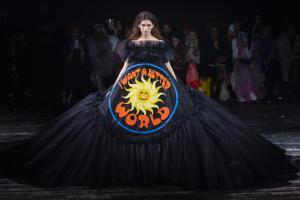 blog retour fashion week haute couture printemps ete 2019 - defile Viktor and Rolf