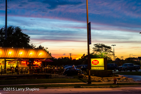 Nino's Pizza in Buffalo Grove IL at dusk