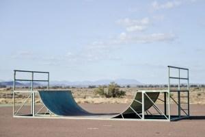 Downunder, Street Photography, Photo Book, Lars Hübner, Fotograf, Australia, Reportage, Visual Storytelling, half pipe, outback, skateboarding, desert