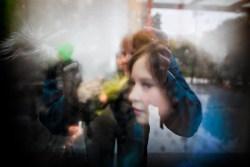 Etter år med opphetet debatt fikk bergenserne sin Bybane sommeren 2010. Så gjenstår det å se om mostanderne blir omvendt og om dette var en god eller dårlig idé. Kaja Michelsen Åsaune og moren Linda Michelsen er fornøyde, men sier det er litt barnesykdommer i starten.