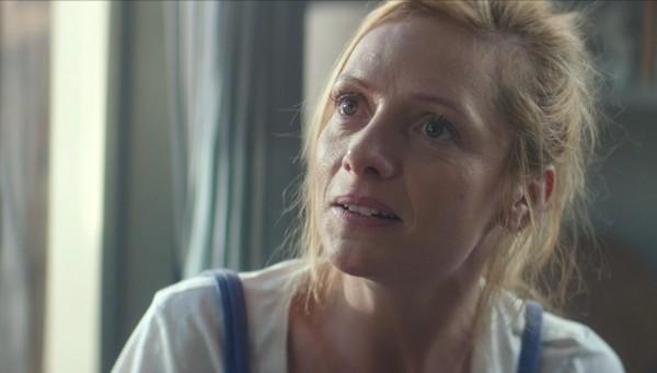 prix-de-la-meilleure-interpretation-feminine-samedi-en-quinze-nikon-film-festival-larsruby