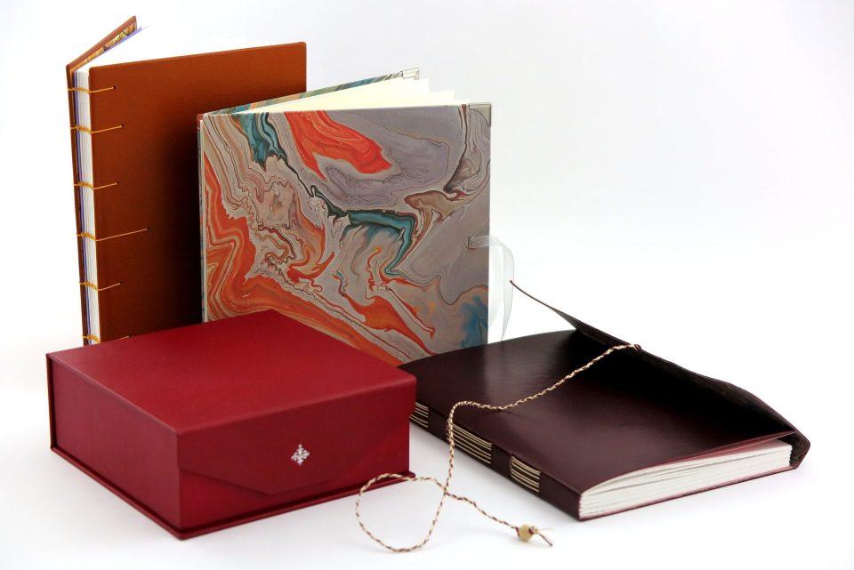 Papeterie : Carnet en cuir, carnet en papier marbré, carnet de voyage, coffret à bijoux