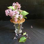 pique-fleurs cannage lilas