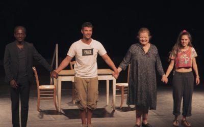 Critique : l'Art-vues a vu au festival Nava – « Au pied de la montagne noire »