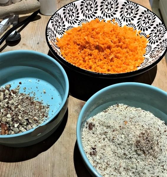 ingrédients pour la recette du carrot cake ou gateau aux carottes