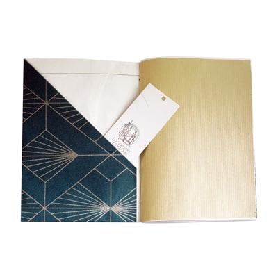pochette intérieur et papier kraft du carnet Agrippine pour conserver tes petites trouvailles