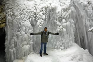 Victor en cascada congelada 2
