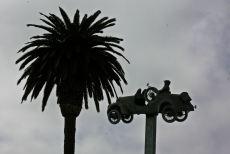 Esculturas divertidas en el aire