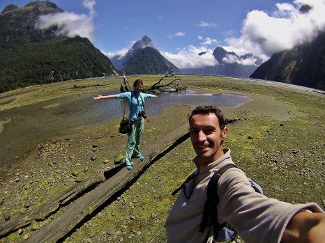 Ruth y Victor de paseo por Milford Sound