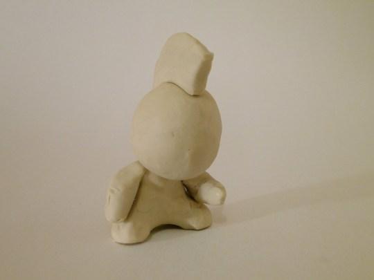 Photo de l'art toys vu de trois quart
