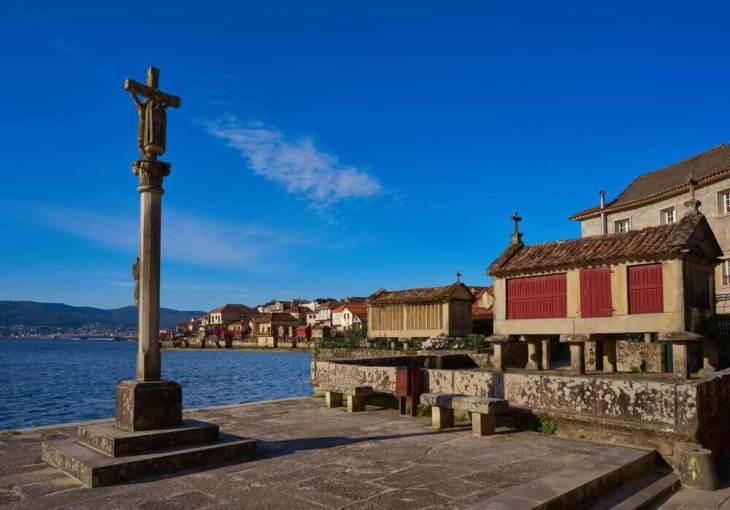 La Galicia más tradicional: horreos, cruceiros y pazos — Las ...
