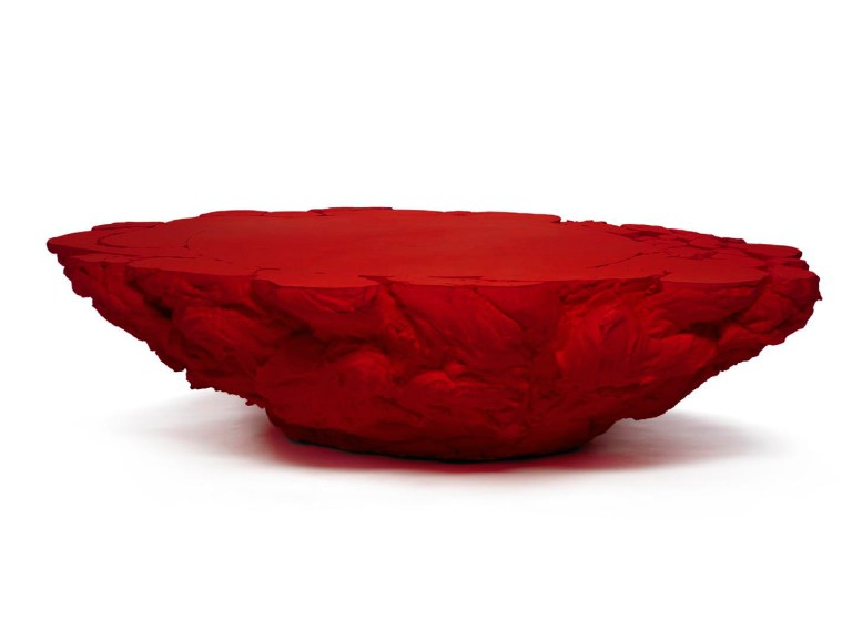10.- Coffee Table 'Rubber' Red - cortesía Machado-Muñoz