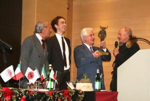 Viti recibe Minotauro italia