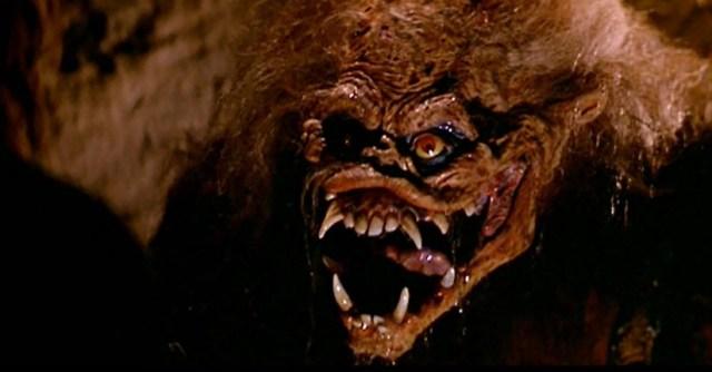 La bestia-monstruo de Golpe en la pequeña China.