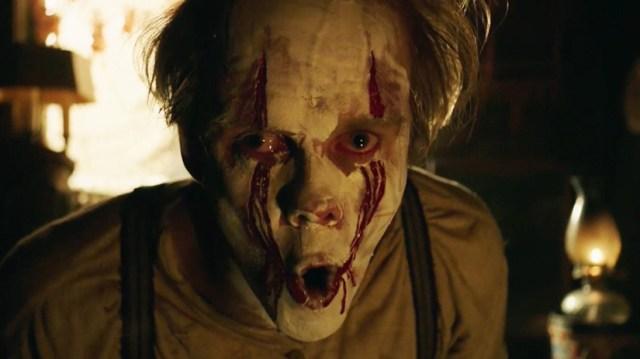 Bill Skarsgård como Pennywise.