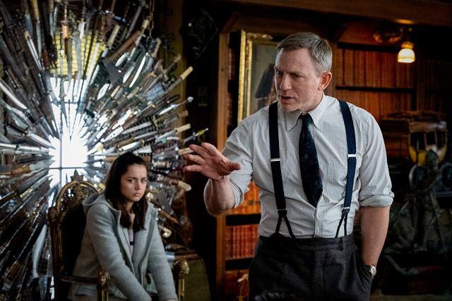 Daniel Craig y Ana de Armas en Puñales por la espalda.