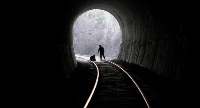 Crónica de un asesino en serie. Escena del túnel.