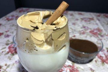 Cafea Dalgona cu lapte