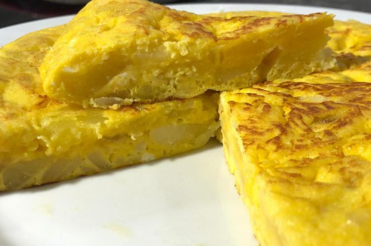 Omleta cu cartofi spaniola