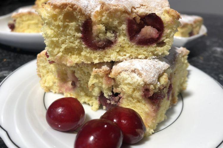 Reteta de prajitura cu cirese