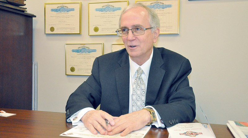 John Wright explica como funcionan los impuestos a la propiedad / Assessor John Wright explains property taxes