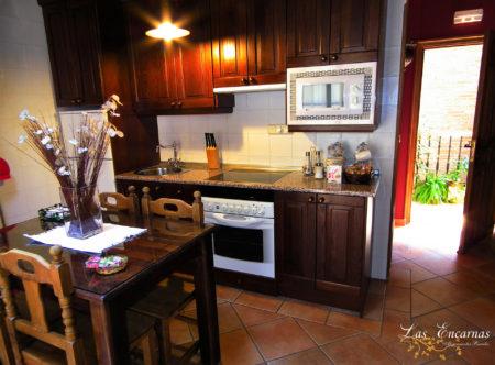 Cocina totalmente equipada de casa rural para parejas
