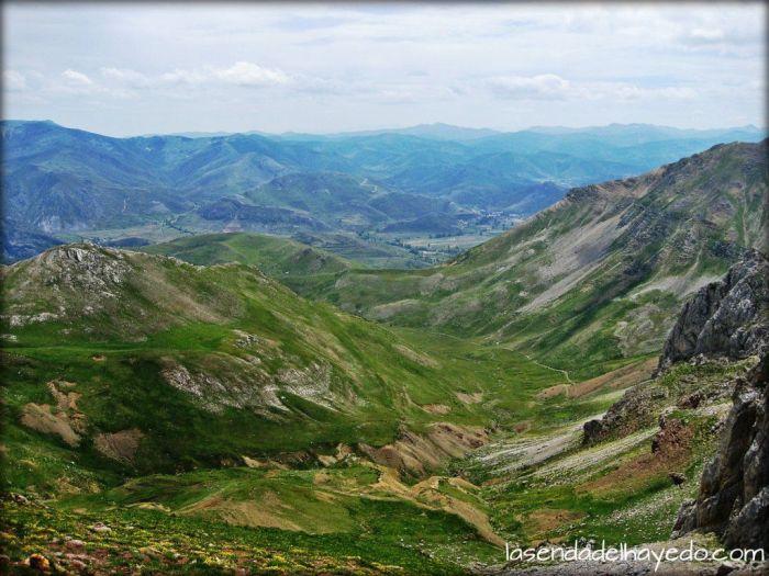 El valle de La Riera y las montañas occidentales leonesas