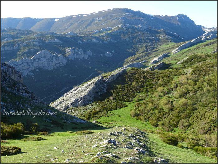 Hacia el valle, a donde debemos volver para regresar cómodamente