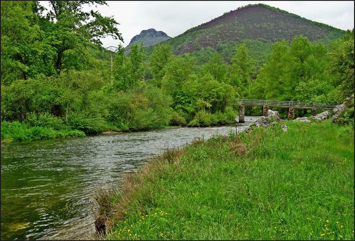 Río Porma en términos de Valdecastillo