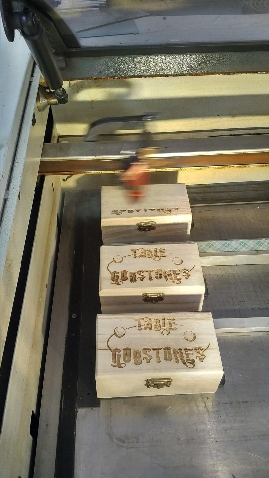 grawerowanie drewnianych pudełek