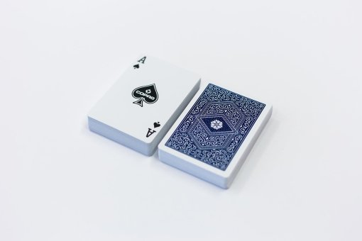 104101324b_playingcards_copag310_cards_blue