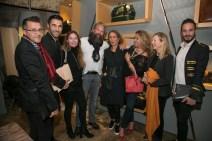 Algunos invitados a la fiesta inauguración © La Siesta Press / J. Fernández Ortega