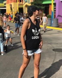 Daniela Ospina de vacaciones en Universal Studios