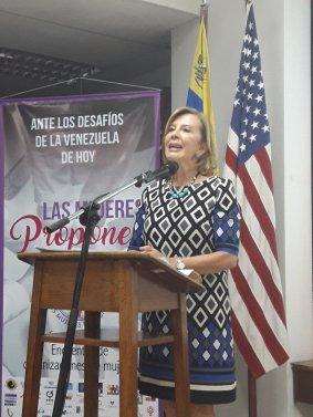 Maria Cristina Parra -  Las Mujeres Proponen