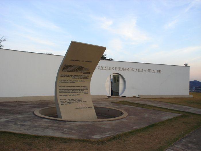 MEMORIAL EN ITABIRA