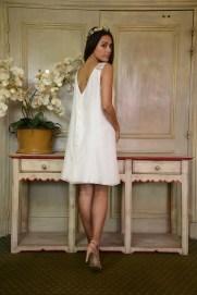 robe-de-mariee-courte-organse-blog-mariage-lasoeurdelamariee-dentelle-dos-nu-erina