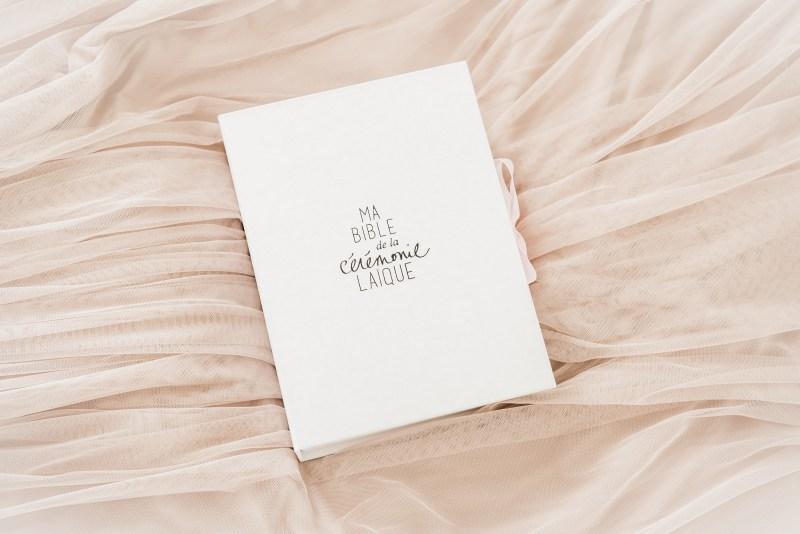 Ma-bible-ceremonie-laique-®Aurelie-Menard-Photography-lasoeurdelamariee-blog-mariage