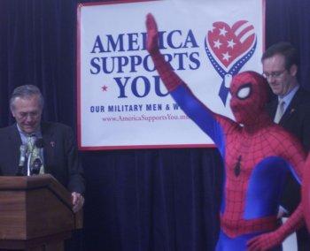 Spiderman y el DonaldRumsfeld